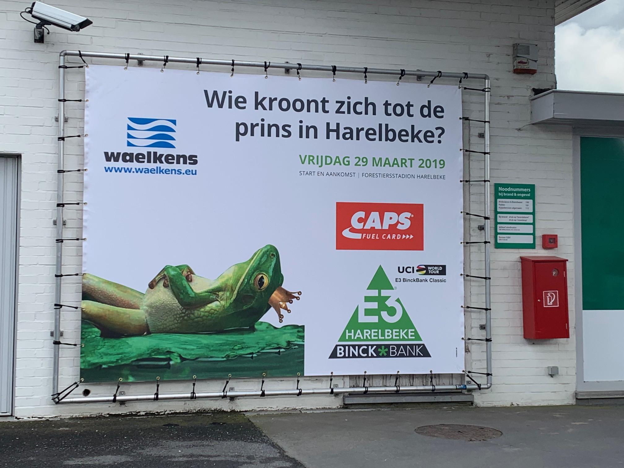 E3-banners voor Caps door Waelkens
